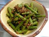 インゲンとカリカリ梅の胡麻和え、チキンソテー、にら玉、冷しゃぶサラダ。