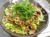 豚肉とモヤシの炒め物大葉乗せ、にら玉、麻婆豆腐。