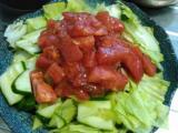 マグロとインゲンのグリル、牛肉の野菜炒め、トマトサルサのサラダ