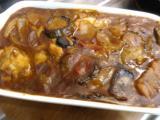 チキンの焼きカレー、山芋とクリームチーズのサラダ、サバとキノコのグリル