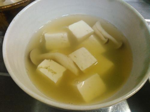 豆腐としめじの吸い物