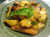 ジャーマンポテト、山芋とシソの中華サラダ、ニラの玉子焼き