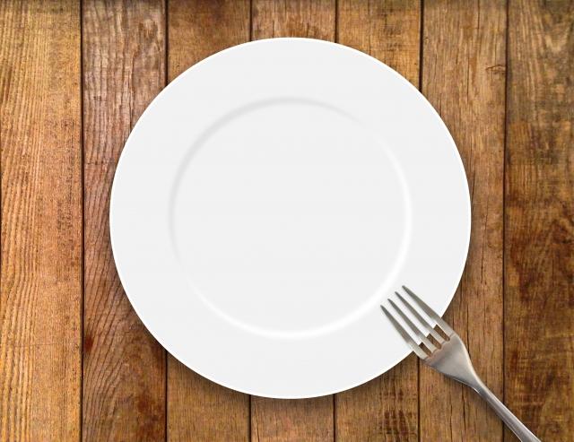 鶏肩肉のソテー、カボチャとジャガイモのグリル、サラダ